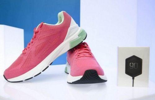 首款搭载英特尔curie模块的跑鞋现身国内