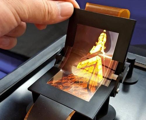 夏普送富士康结婚礼:研发出能掰弯OLED手机屏_互联网头条