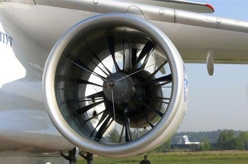 中国首台1000kg推力涡扇发动机研发成功!