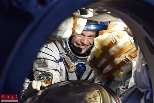 看到流星了?NASA:也可能是宇航员的粪便