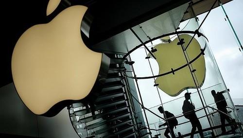苹果手机举牌空白素材