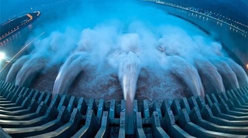 世界最小水力发电站:惊叹!揣兜里就走