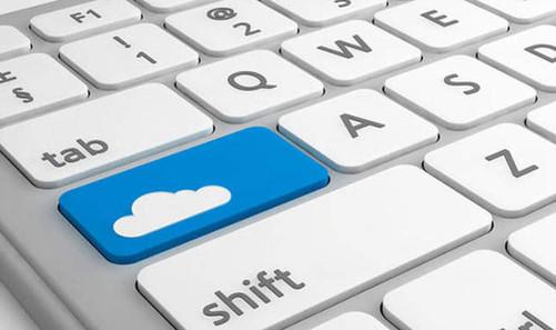 从移动互联网向 IoT 的迅速转变过程中会对基础设施带来新一轮的挑战。这个挑战表现在几个层面,第一个敏捷性,第二个成本,第三个复杂性。 敏捷性表现在当企业需要一个 IT 系统去解决问题的时候,在传统领域一般用几个月或者几年的时间上线一套 IT 系统在数据中心,而且企业心理承担能力是非常强的,经常说今天不行明天再来,反正不着急。 过去的 Business Model 是非常静态的,市场的竞争也没有那么激烈。但是随着业务的变化,尤其是跨界竞争变得越来越常见之后,消灭你的往往不是你的同行,而是你不认识的人。 前